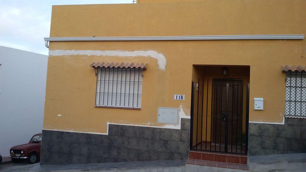 Pintar pared deteriorada