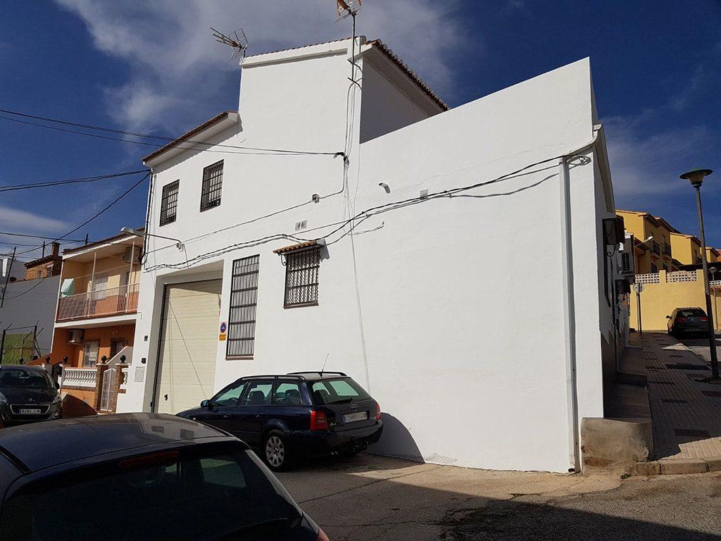 Pintar la fachada exterior de viviendas reformas tovar for Zocalo fachada exterior
