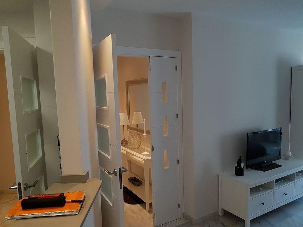reforma entrada apartamento torrox